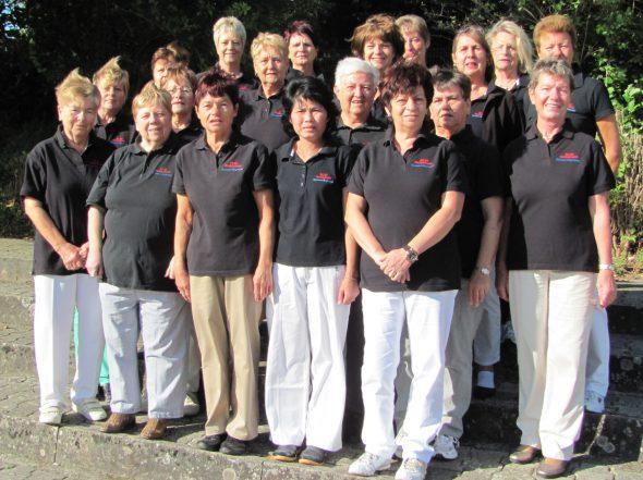 Damen-Gymnastikgruppe-590x441